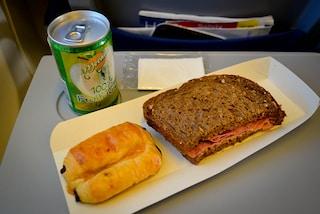 All'aeroporto di Gatwick si mangia il cibo della felicità