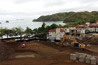 Costa Rica, privatizzano la bellezza e la chiamano ecosostenibilità