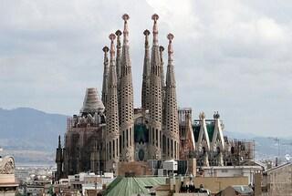 Sagrada Familia, parte la costruzione delle sei torri: sarà la cattedrale dei record