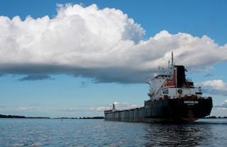 Viaggiare sulle navi cargo conviene: relax, solitudine e risparmio