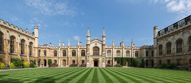 Il Corpus Christi College di Cambridge, Londra. Foto da Wikipedia.