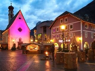 Natale tra Bolzano e Val Gardena: mercatini, panorami mozzafiato e buon cibo