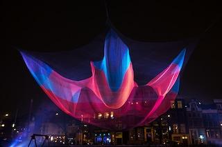 Amsterdam si illumina. Il Light Fest accende la città con luci e colori