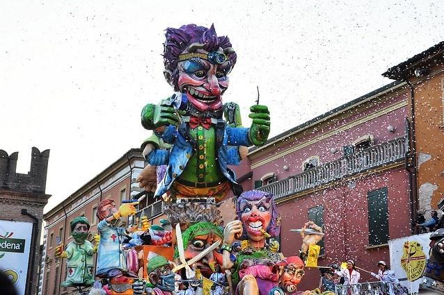 Carnevale di Cento, Carro del Guercino – foto di mfortini