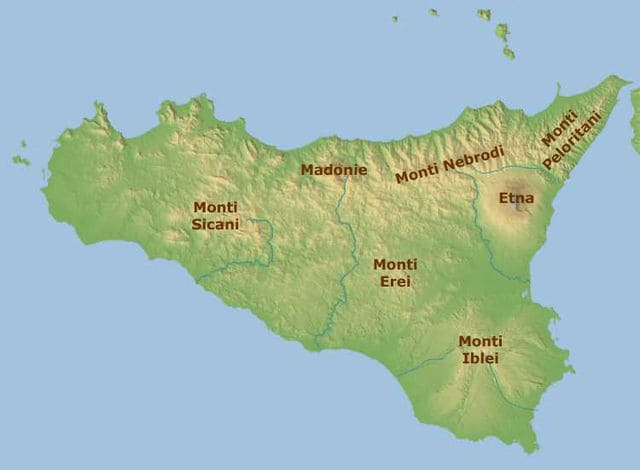 Catene montuose in Sicilia (Immagine di Free world maps).