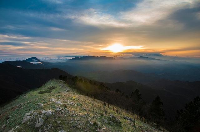 Il tramonto dal Santuario di Dinnammare (Foto di Marco Crupi).