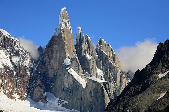 Cerro Torre, Argentina – Foto Wikimedia Commons