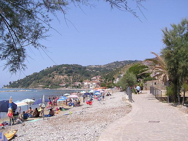 Spiaggia di Pioppi (Pollica) – Foto Wikipedia