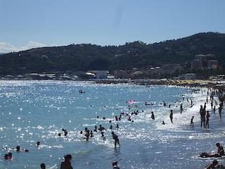 Spiagge da en plein in Italia: le località con 10 bandiere blu in 10 anni