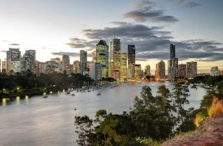 """Viaggio a Brisbane, la città australiana con onde """"pazzesche"""""""