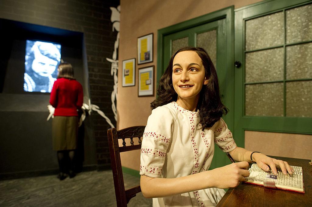 Statua in cera di Anna Frank