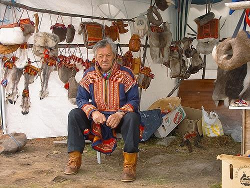Sami cultura tipica del villaggio di Yokkmokk . Foto da Flickr