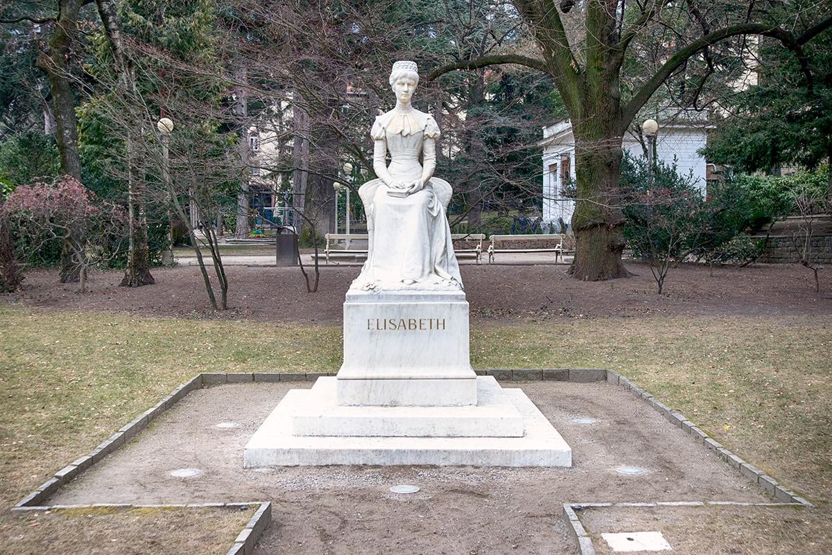 Statua dell'Imperatrice Elisabetta d'Austria [@Fanpage.it/Ilaria Vangi]