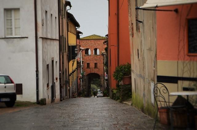 Montecarlo di Lucca, Porta Nuova