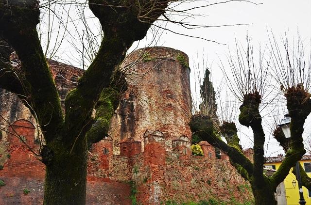Montecarlo di Lucca, Rocca del Cerruglio