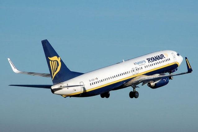 Ryanair, Boeing 737–800 in fase di decollo – Foto Wikipedia