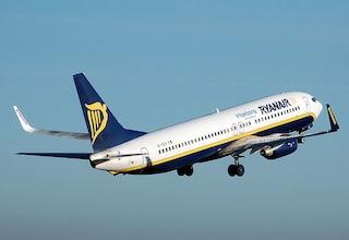 Ryanair cambia volto: nuove tariffe, più comfort e jet privato per aziende