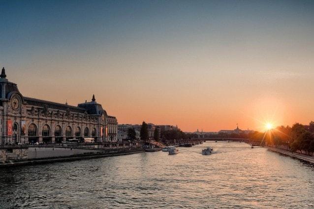 Parigi, tramonto sulla Senna – Foto Pixabay
