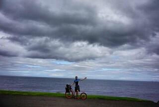 I diari del monopattino, la partenza: sono solo, contro l'Irlanda e il caro vecchio vento
