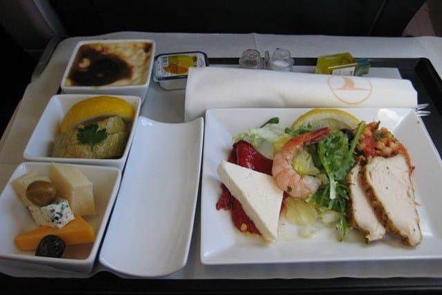 Un pasto sul volo Istanbul–Il Cairo di Turkish Airlines in classe Business – Foto Wikipedia