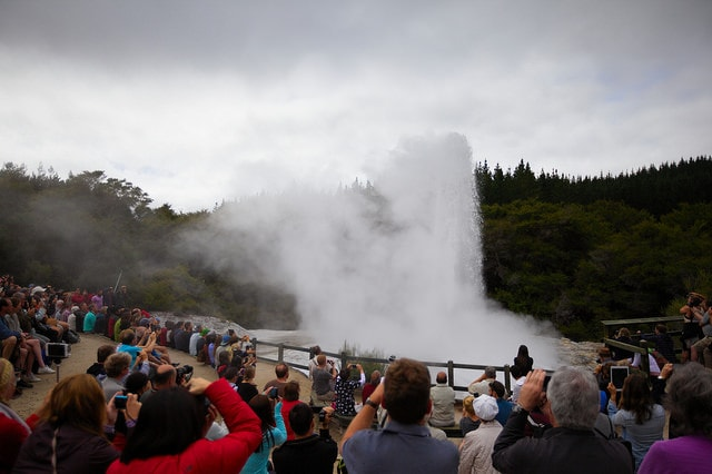 Lady Knox Geyser – Credits: Dave Smith