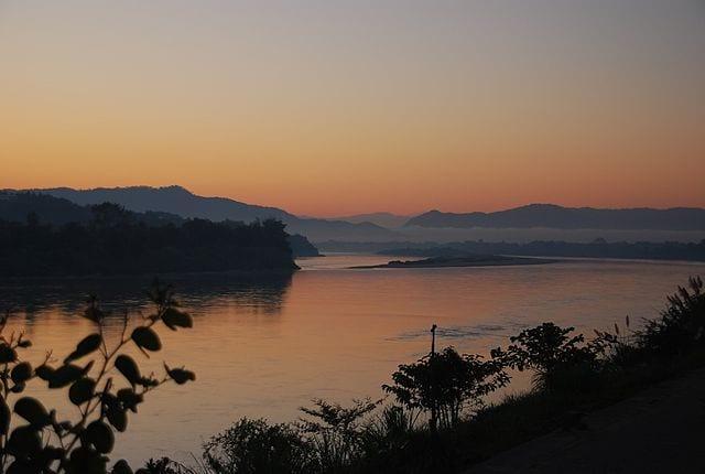 Mattino sul fiume Mekong – Foto Wikimedia Commons