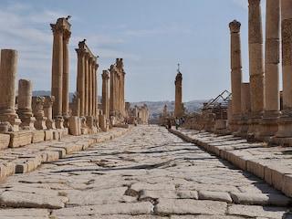 Viaggio tra le rovine di Jerash: un'antica città romana in Giordania