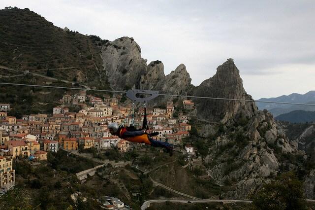 Il volo dell'angelo a Pietrapertosa. Foto di Basilicata Turistica
