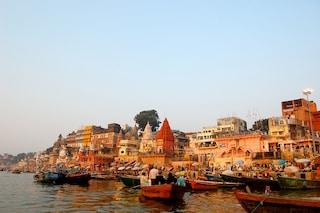 Gange un pellegrinaggio lungo il fiume