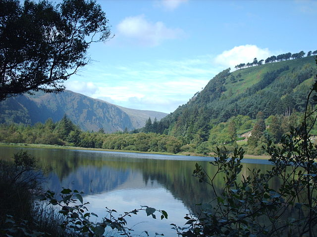 Valle dei due laghi, Glendalough – Foto Wikimedia Commons