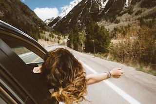 I viaggi in macchina provocano stress? Ma ci sono modi per evitarlo