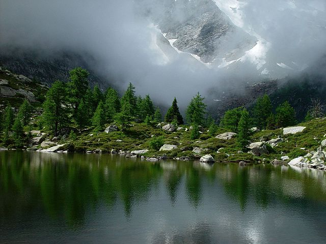 Goms, lago subalpino – Foto Wikimedia Commons