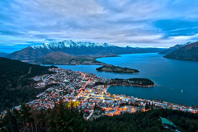 Veduta di Queenstown da Bob's Peak – Foto Wikimedia Commons