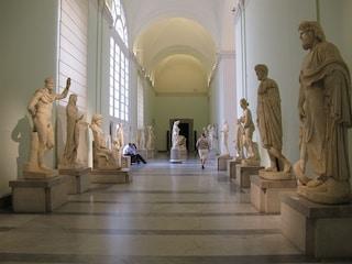 Girare in un museo... che disastro! 7 guai combinati dai visitatori