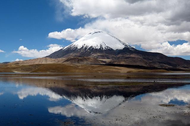 Vulcano Parinacota, Lauca National Park – Foto di jumo.