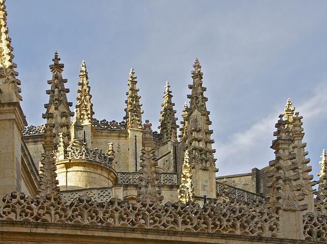 Pinnacoli della Cattedrale di Segovia – Foto Wikimedia Commons