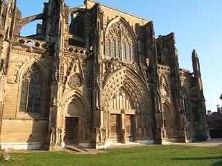 Saint-Antoine-l'Abbaye, un gioiello medievale in Francia