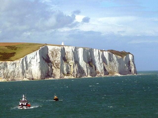 Le bianche scogliere di Dover – Foto Wikimedia Commons