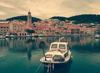 Pucisca, un gioiello della Croazia tra arte e paesaggi da sogno
