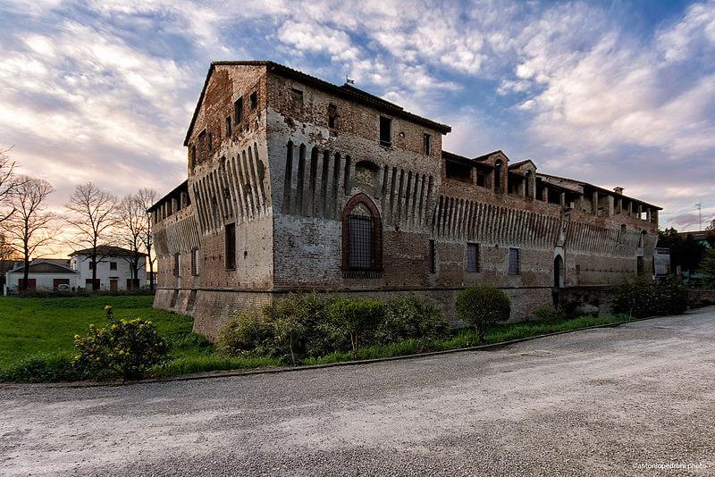 Castello di Roccabianca. Foto da Wikipedia