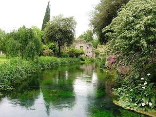 Giardino di Ninfa, dove la natura è poesia