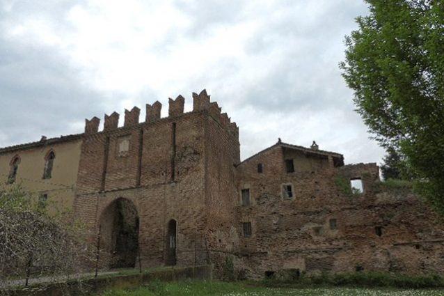 Entrata del Castello di Sarmato – Foto Wikimedia Commons