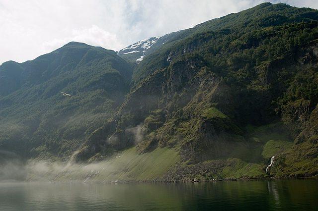 Naeroyfjord – Foto Wikimedia Commons