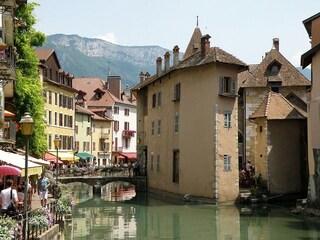 Annecy: viaggio nella piccola Venezia delle Alpi