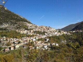 Capistrello, un borgo autentico nel verde dell'Abruzzo