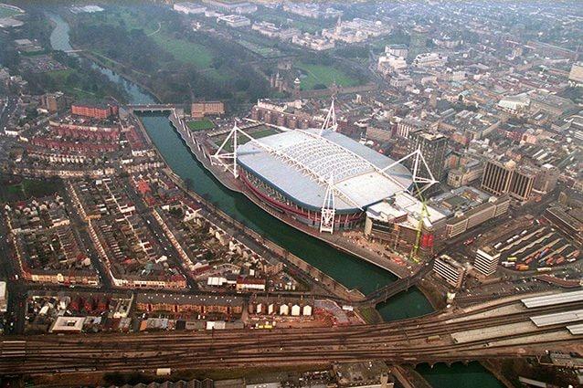 Panoramica del centro storico di Cardiff con al centro il Millennium Stadium (Getty).