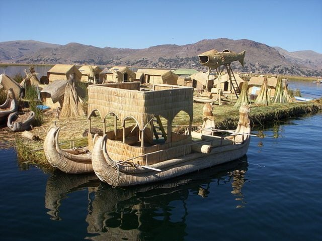 Uros Floating Islands – Foto Wikimedia Commons