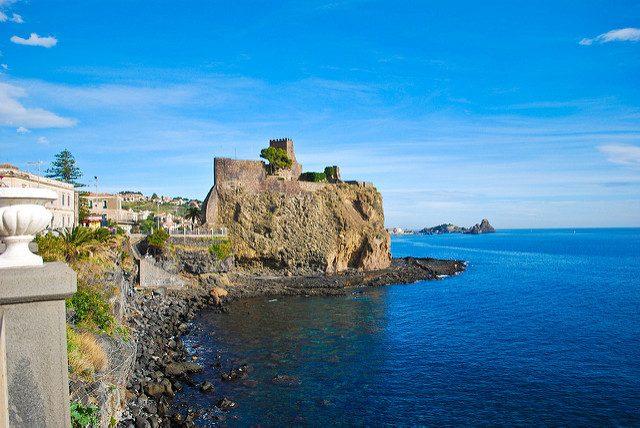 Aci Castello. Foto di Eduardo M.
