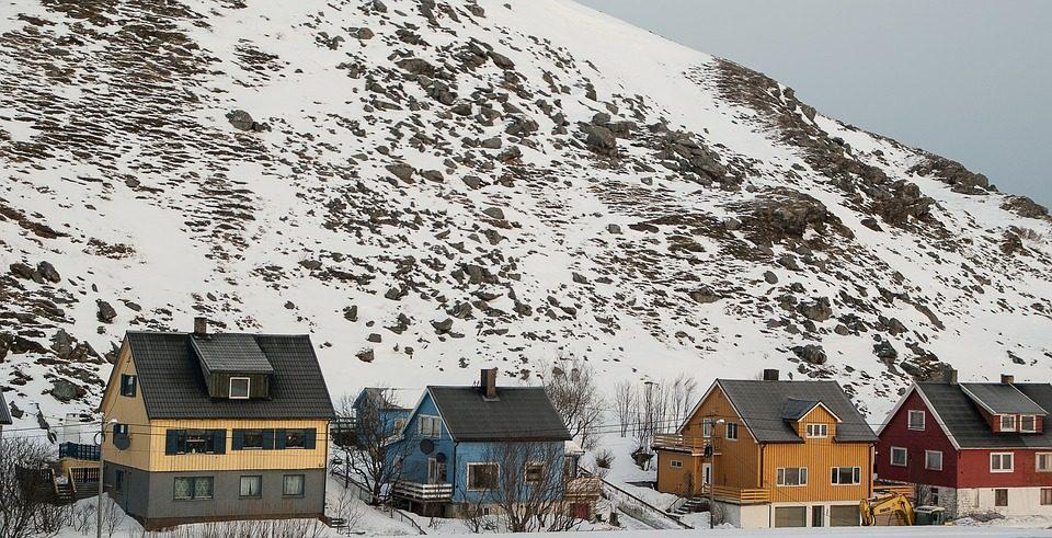 Case di legno in Norvegia. Foto da pixabay