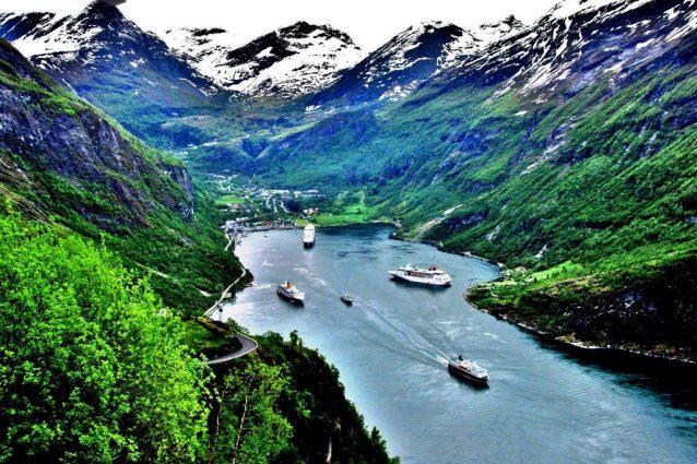Fiordi norvegesi. Foto di moonjazz